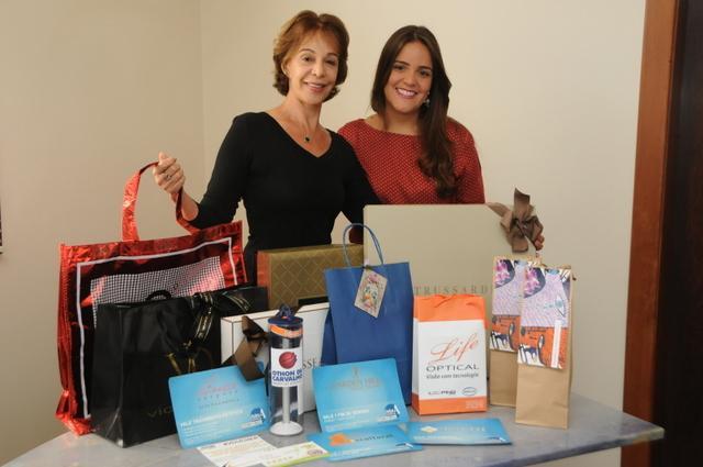 Maria Luisa Ratton e Raquel Ratton, ganhadoras da Cesta Coração de Mãe Clube A.