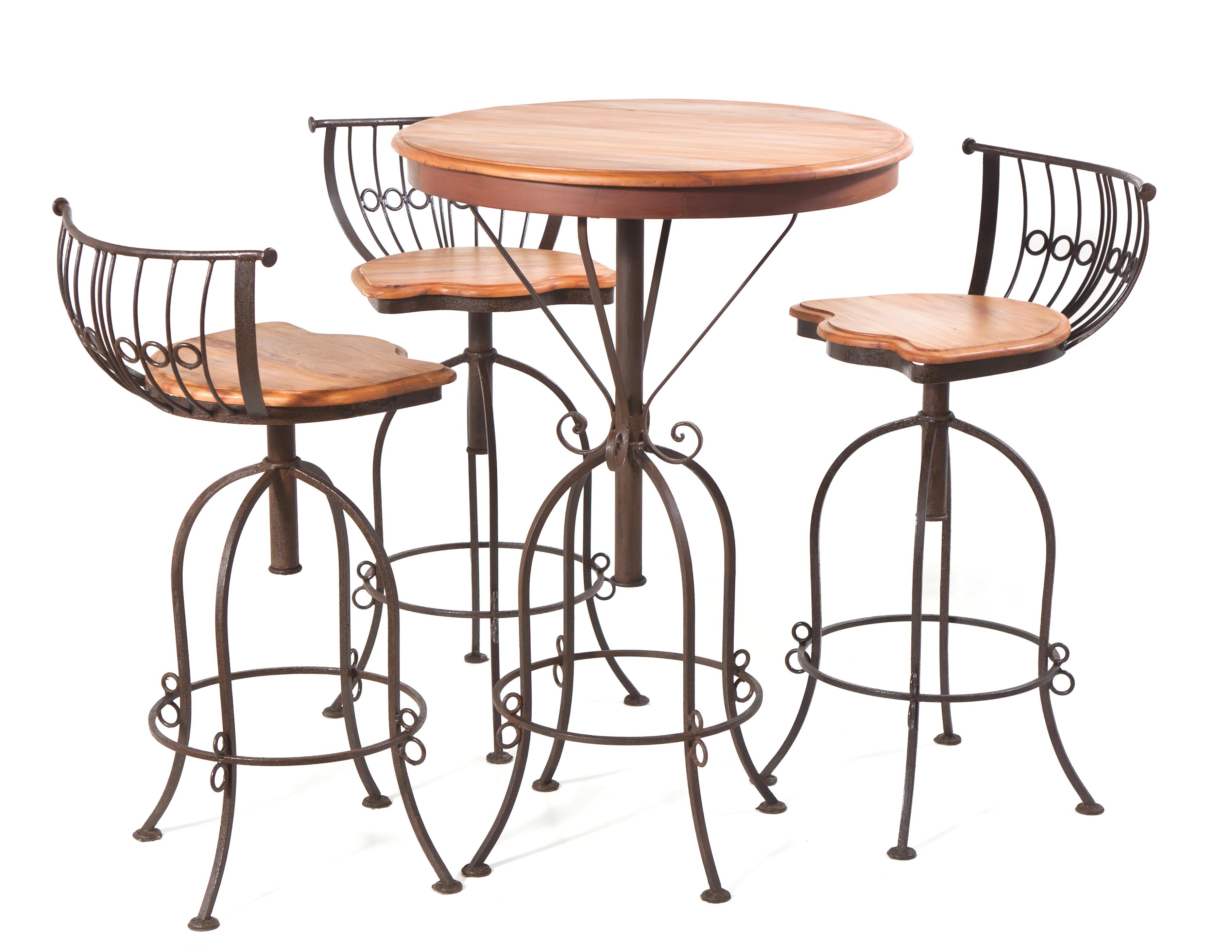 Mesa com estrutura de ferro maciço, tampo em madeira de demolição peroba rosa e cadeiras giratórias com assento em madeira de demolição peroba rosa.